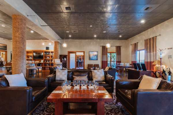 Woodinville Tasting Room 1 4